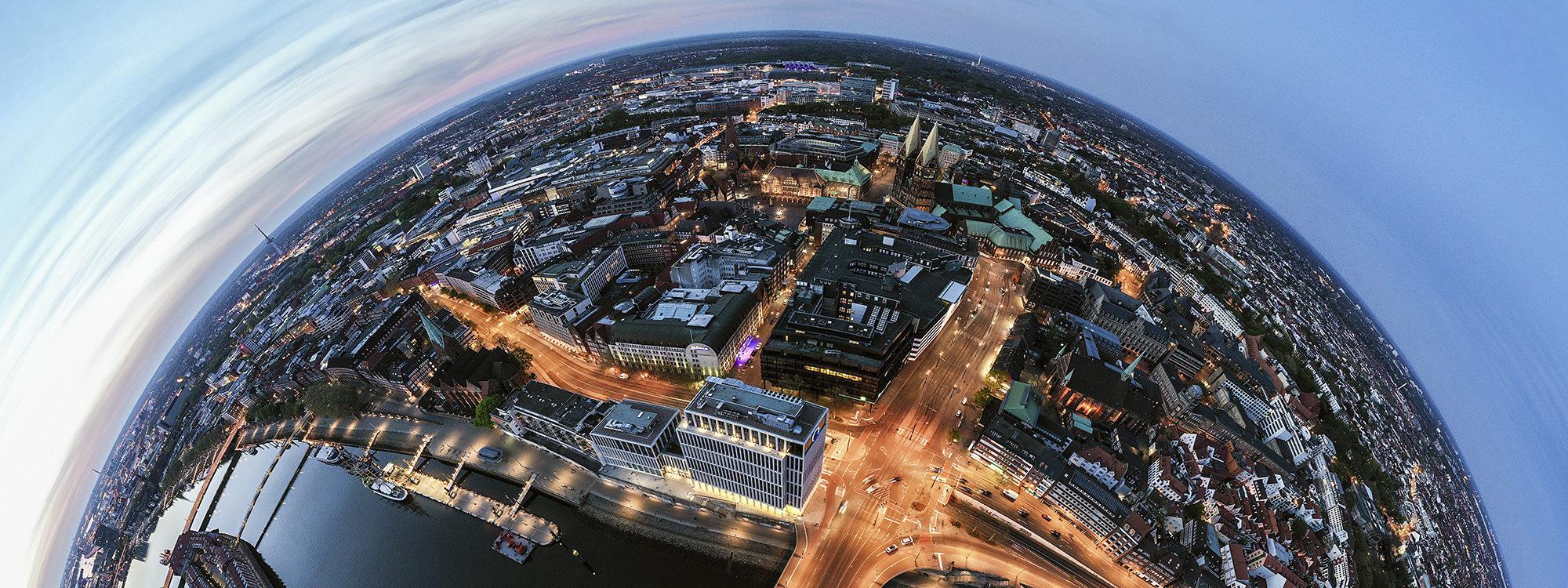 Luftbild der Bremer Innenstadt mit dem kühne und Nagel Gebäude