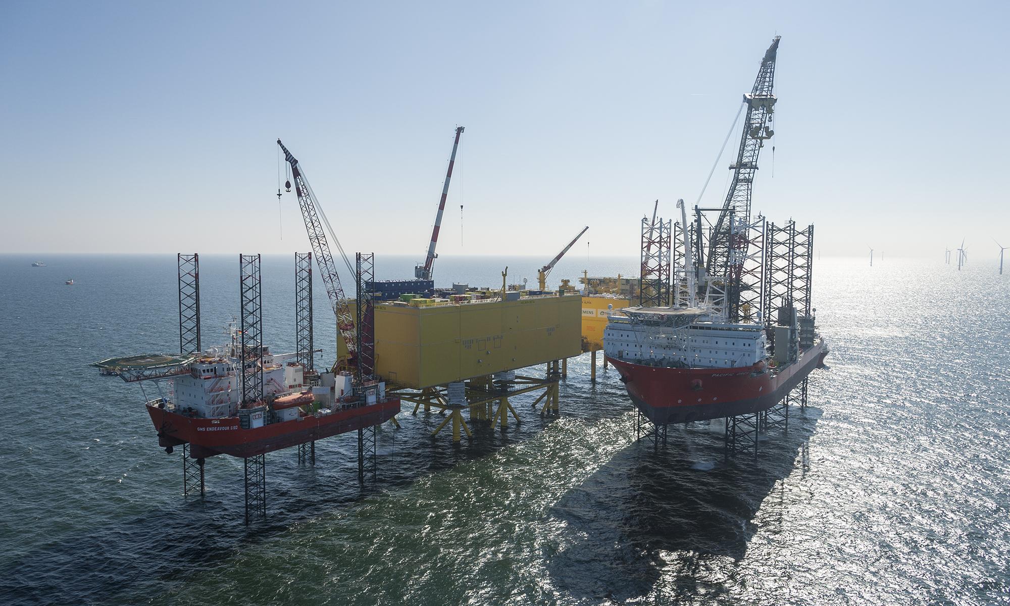Offshore Fotografie einer Ölplattform