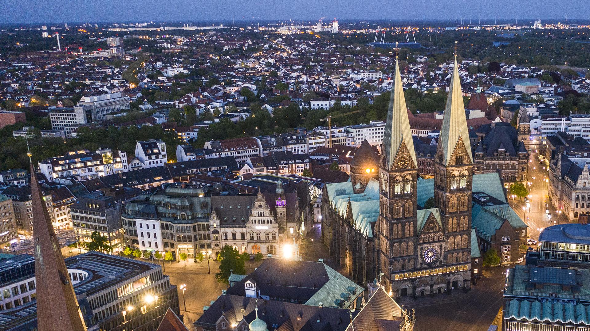 Bremer Innenstand mit dem Dom bei Nacht